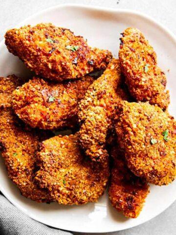 Teller von Oben mit Fried Chicken