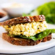 Eiersalat auf Brot